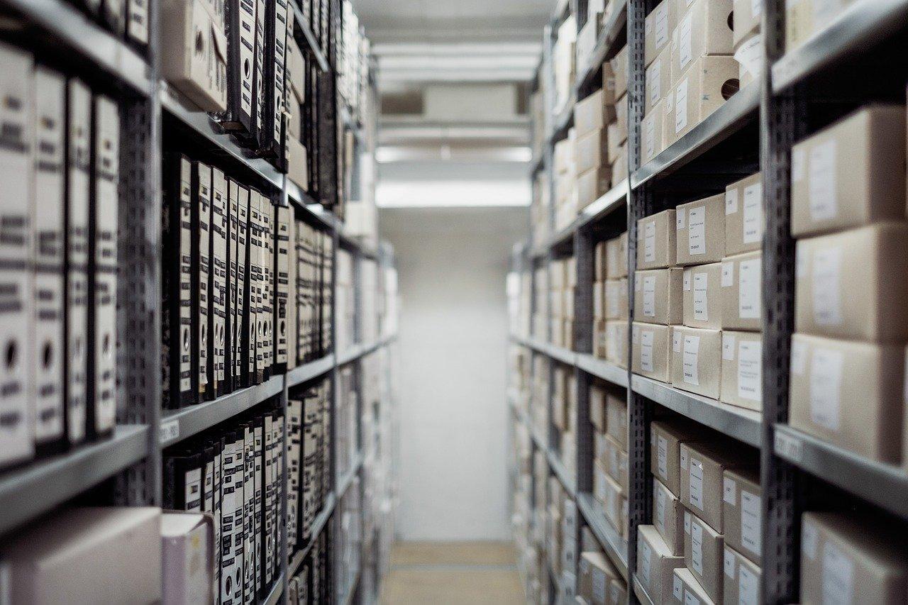 Qui est responsable des archives dans une entreprise ?